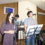 スピリッツ ボーカルの2人とキーボード