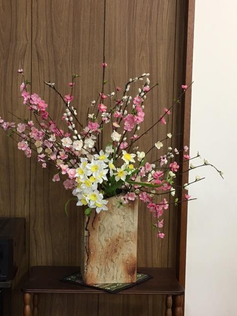 講壇横の花(新春仕様)